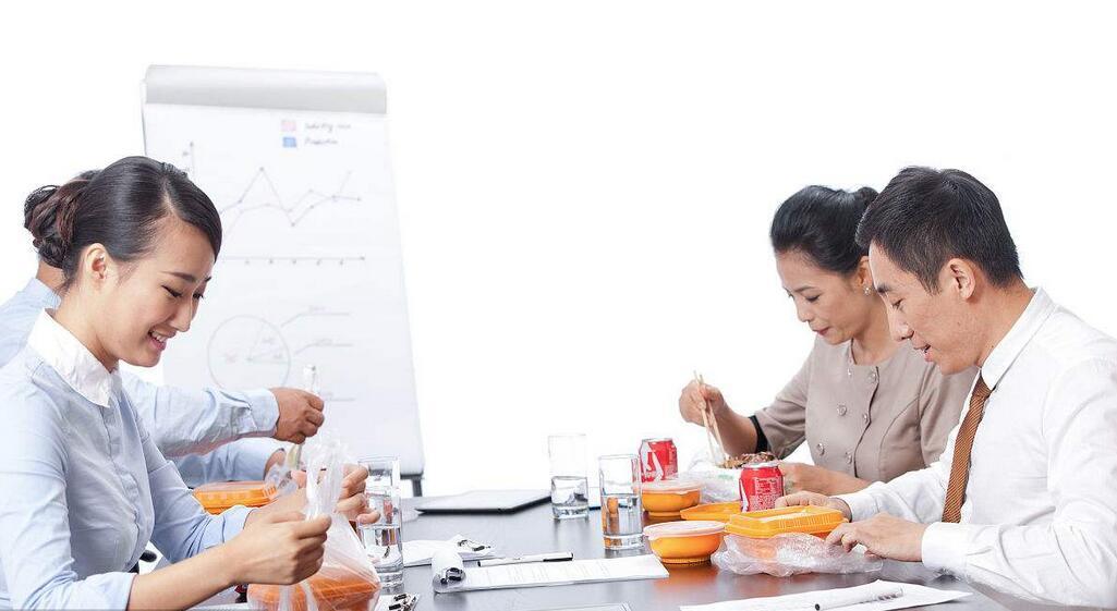 上班族们的午餐难题该如何破解?