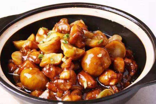 厨房小白都学得会的啤酒板栗烧鸡, 好吃到汤汁都不剩!