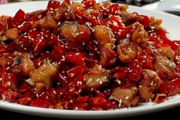 過年必點的紅紅火火的菜:開胃辣子雞